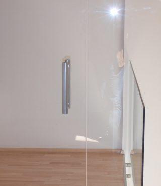 Skleněné stěny a dveře